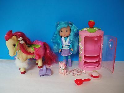 Strawberry Shortcake Blue Berry Doll with Horse and Cupcake Cat, Accessories