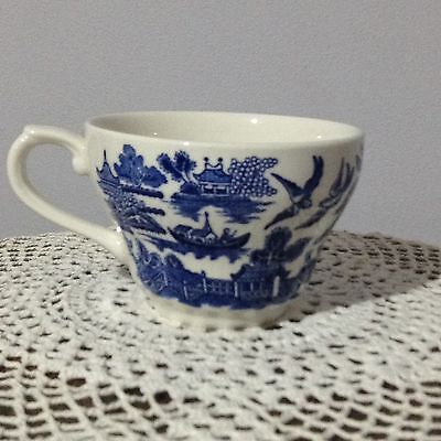 *Churchill England* Blue Willow Pattern Cup
