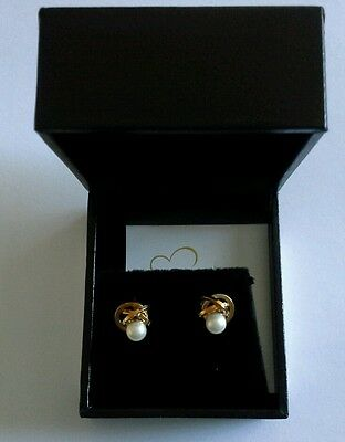 New 9ct gold earrings pearl insert boxed