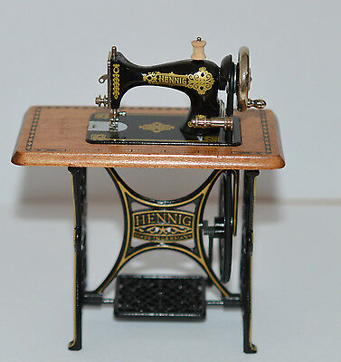 "12TH MINIATURE ""WORKING"" BODO HENNIG SEWING MACHINE (no longer made) DOLLSHOUSE"