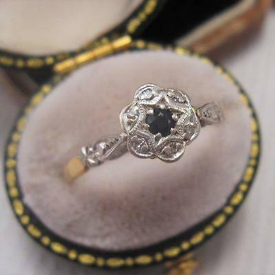 ART DECO SAPPHIRE and DIAMOND DAISY CLUSTER RING in 18ct GOLD & PLATINUM size O