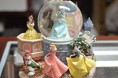 "Disney Princess ""a Dream Is A Wish Your Heart Makes"" Musical Snow Globe Statue"
