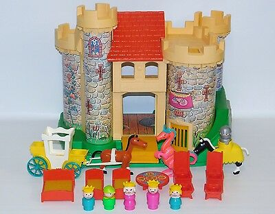 Fisher Price Little People Play Family Castle 100% COMPLETE Vintage #993 Dragon+