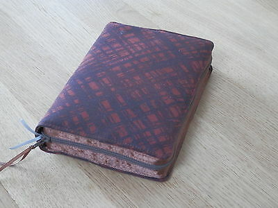 New World Translation 2013 Zipped Fabric Bible Cover - Brown & Rust Pattern