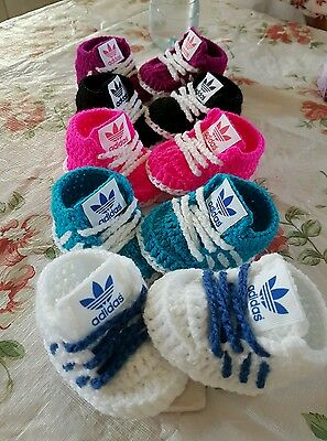 Handmade crochet baby shoes for baby girls and boys from 0-3 month