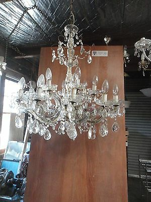 Chandelier. Glass complete chandelier. Light fitting with 6 triple arms