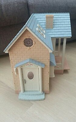 Sylvanian Families Riverside Lodge Bluebell Cottage House