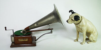 HMV Berliner  Trade Mark Grammophon style 3 mit Nipper Hund.