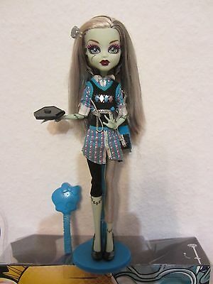 Monster High Puppe Frankie Stein Todschick School's Out Doll Rar