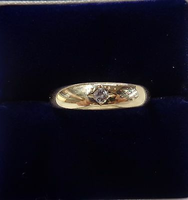 9ct Diamond Signet Ring in Yellow Gold - Size O 1/2