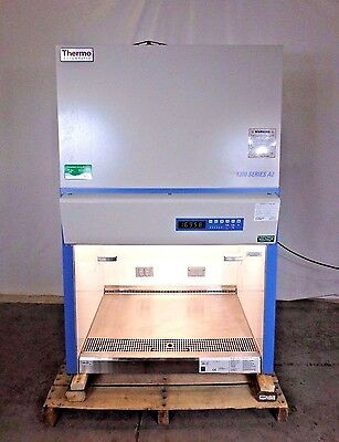 Thermo 1300 Series Class II Type A2 Biological Safety Cabinet 1339 Fume Hood Lab