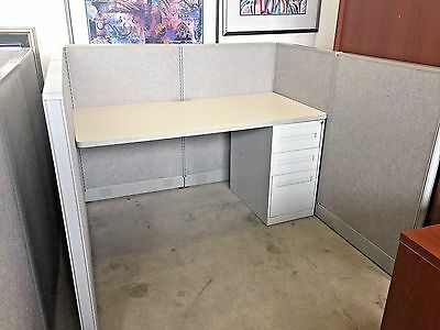 CUBICLE/PARTITION SYSTEM by HAWORTH OFFICE FURNITURE 5ft x 5ft