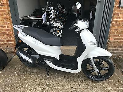 New Peugeot Tweet 125cc SBC Scooter 2017 2 years warranty