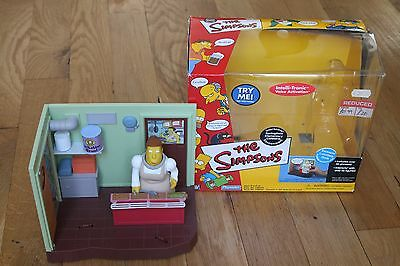 Simpsons World of Springfield - Lunchlady Doris / Cafeteria Playset WOS - TESTED