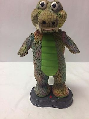 SINGING CROCODILE Made by GEMMY INDUSTRIES (Maker of Billy Big Mouth Bass)