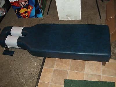 Very Nice Chiropractic Traction / Massage/ Treatment Table Blue Vinyl