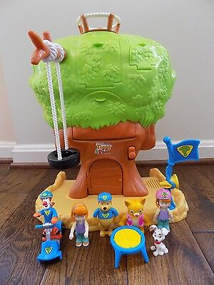 Winnie the Pooh Super Sleuth Changing Tree House Playset