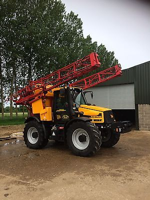 Jcb Fastrac 2140 With 24m Sprayer Tidy Outfit