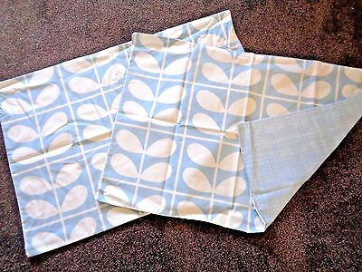 Pair Housewife Pillow Cases in Orla Kiely Grid Stem Blue & Scribble Blue reverse