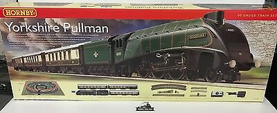 Hornby 00 GAUGE - R1136 - YORKSHIRE PULLMAN TRAIN SET - NEW BOXED