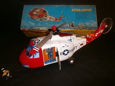 Helicoptere Avec Astronaute , Space Toy , Tôle , Tomiyama ,1960 , Japan  .