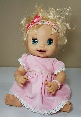 2007 Hasbro Baby Alive Doll Learn To Potty Soft Face Blonde Girl Interactive