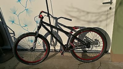 Dirt-Bike Spezialized P.2 Cro-Mo singlespeed custom (black, metallic red)