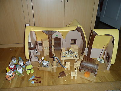 Disney Snow White and Seven Dwarfs Cottage Playset