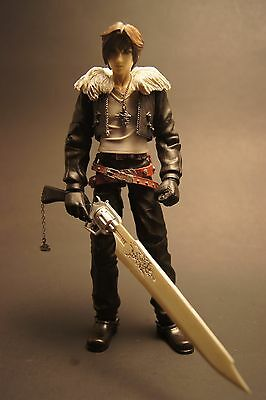 Square Enix Play Arts Final Fantasy 8 Squall Leonhart Figure