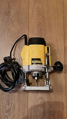 "Dewalt DW615 1/4""Plunge Router 230V Wariable Speed"