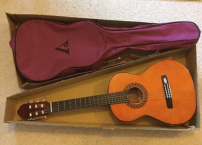 Valencia Half Size Classical Guitar With Carry Bag