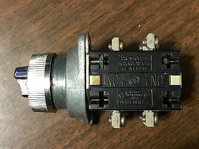 GE General Electric Heavy Duty Oiltight Two Position Selector Switch CR2940UB203