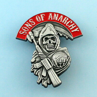 MOTOR CYCLE 1% OUTLAW BIKER  SKULL LAPEL PIN pewter auto  weapon red banner