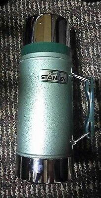 Aladdin Stanley 24 oz Wide Mouth Green Thermos. No. A-1350B w/ Handle NICE