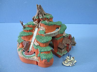 Disneyland Splash Mountain Diorama Miniature Figure