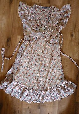 Cute Floral Summer Dress. Ladies size 8. Good Condition.