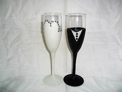 Wedding Bride And Groom Toasting Champagne Flutes Glitter Glasses Gift