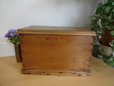 Lovely Wood Wooden Blanket Boxe Box Chest Storage Coffee Table