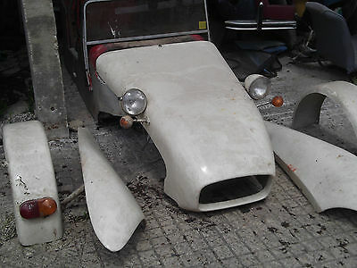Falcon Citroen 2cv based kit car body and parts for rebuild. Needs work.Project