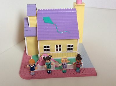 Vintage Polly Pocket Light Up SCHOOLHOUSE - POLLYVILLE 99 % Complete