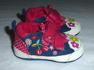 The Children's Place Baby Girls Blue Denim Floral Sneakers Crib Shoes 0-3 Months