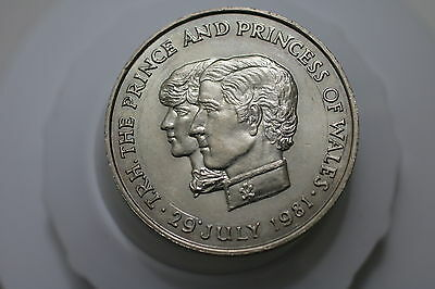 Mauritius 10 Rupees 1981 Diana Wedding Crown Size A63 #z7710