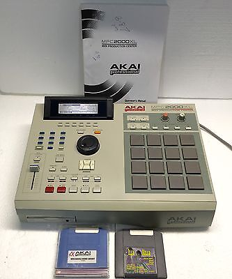 AKAI Professional MPC2000XL Drum Machine/Sequencer/Production Center-Excellent!!