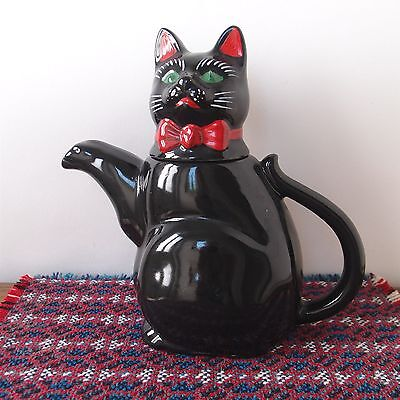 "Novelty Teapot Decorative Black Cat - England - 7½"" Tall"