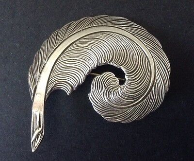Beautiful Nouveau Antique (Light As A) Feather Pressed Silver Pin Brooch C Catch