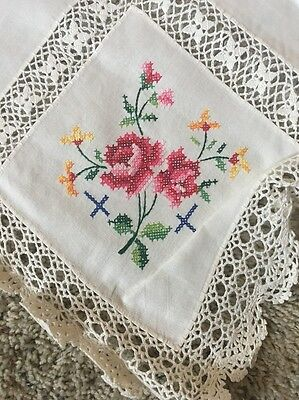 Beautiful Vintage Lace & Embroidery Tablecloth W/6 Napkins, Unused, NOS