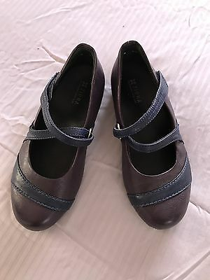 Ziera Genuine LEATHER Orthotic comfort shoes in EXCELLENT condition Size 35