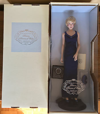 "Franklin Mint, ""Diana Princess of Style"" Porcelain Portrait Doll"