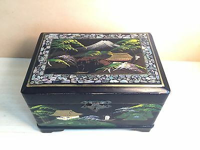 Vintage Japanese Working Music Box Black Lacquer Hand Painted Mt Fuji Abalone