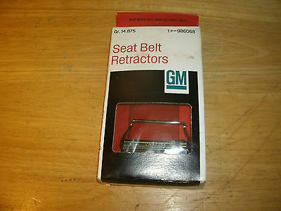 NOS GM 1964-68 Seat Belt Retractor Set